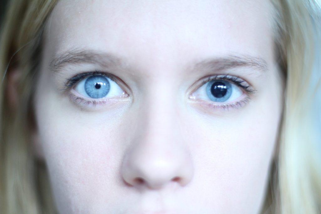 Глаза разного цвета как сделать 782