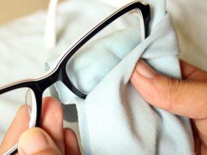 правильно нужно ухаживать за очками для зрения